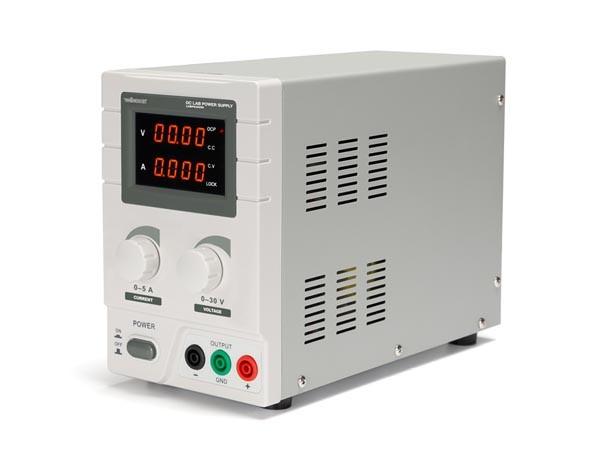 LABORATORIUMVOEDING 0-30V / 5A DUBBELE LCD DISPLAY