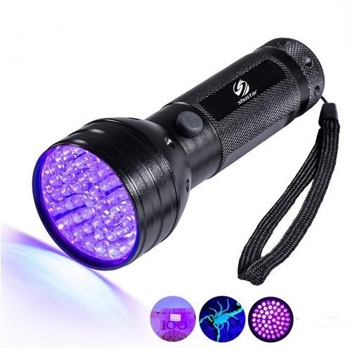 LED ZAKLAMP UV 4W 450LM 3XAA 51 LEDS