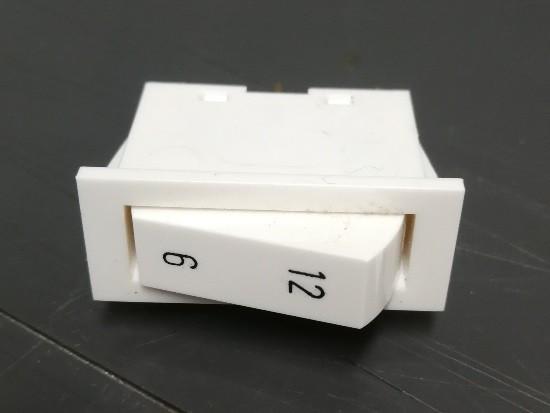 WIP 1 X OM 4A/250VW WIT MET 6/12 MARKERING