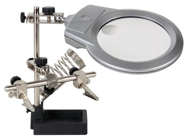 DERDE HAND MET VERGROOTGLAS, LED-LAMP EN SOLDEERBOUTHOUDER